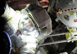 Rus kozmonotlar uzay yürüyüşü yaptı