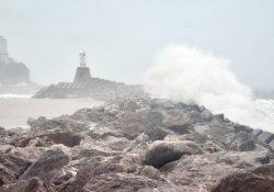 Fırtına Karadeniz'i coşturdu