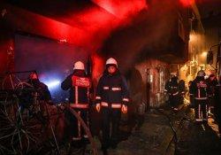 Zeytinburnu'nda yangın: 2 ölü