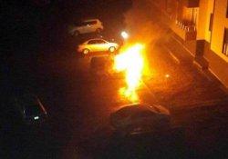 Adıyaman'da park halindeki araç yandı
