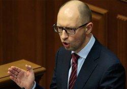 Poroshenko, Başbakan Yatsensuk'un istifasını istedi