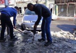 Buz tutan kaldırımlara hiltili çözüm