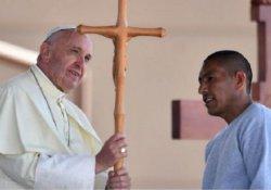 Papa'dan Trump'a göç yanıtı: Duvarlar ören Hristiyan olamaz