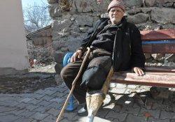 81 yıldır kendi yaptığı 'tahta protez bacakla' yaşıyor