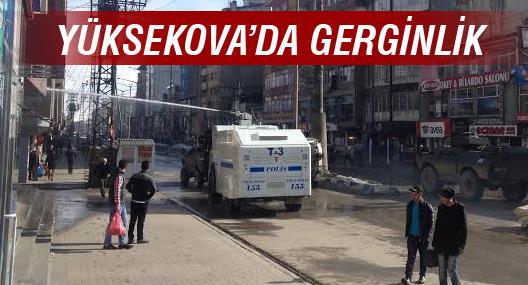 Yüksekova'da polis şehir merkezini boşalttı: 1 yaralı