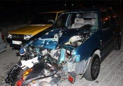 Motosiklet otomobilin içine daldı: 1 ölü!