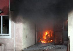 Apartmanda yangın: 15 yaralı