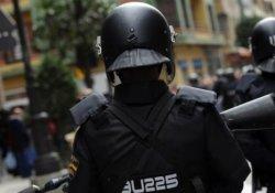 20 bin IŞİD üniforması ele geçirildi