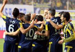 Fenerbahçe, Akhisar Belediyespor karşısında liderliği korudu: 0-3
