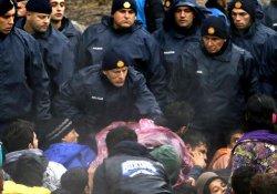 Slovenya göçmen güzergâhını kapatıyor