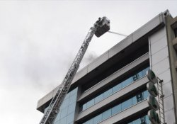 10 katlı otelde korkutan yangın