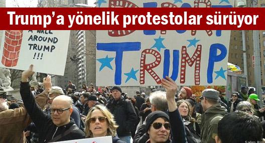 Trump'ı protesto edenler otoyolu trafiğe kapattı
