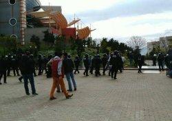 Newrozu kutlamak isteyen öğrencilere polis müdahalesi