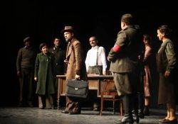 Van'da tiyatro gösterisi