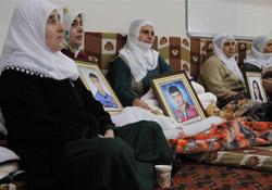 Aileler Davutoğlu'na tepkili!
