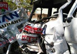 Minibüs yoldan çıktı : 12 yaralı