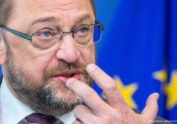 AP Başkanı Schulz Erdoğan'ı eleştirdi