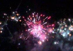 Hakkari'de havai fişekli kutlama
