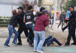 Ankara'da yürüyüşe polis müdahalesi