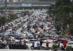 Uber Jakarta'da motosiklet tutma uygulaması başlattı