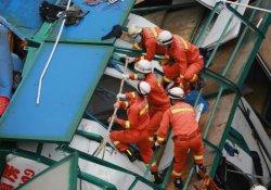 Çin'de vinç çöktü: En az 18 ölü