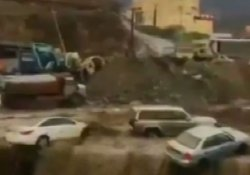 Suudi Arabistan'ı fırtına ve sel vurdu!.. En az 18 ölü!
