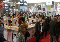 İzmir 21. Kitap Fuarı başladı
