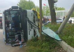 Sürücüsü kalp krizi geçiren otobüs devrildi: 1 ölü, 10 yaralı