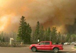 Kanada'daki büyük yangın yayılıyor