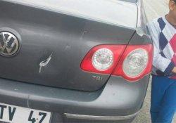 HDP'li yöneticinin park halindeki aracı tahrip edildi