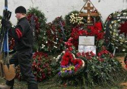 Moskova'da mezarlıkta 200 kişilik kavga etti: 2 ölü
