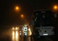 Bolu 'da TIR otobüse çarptı: 15 yaralı