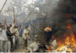 Hindistan'da 24 kişi 69 Müslümanın katledilmesinden suçlu bulundu