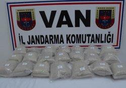 Başkale'de 25 kilo eroin yakalandı