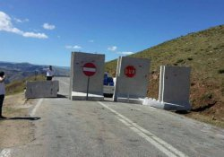 O karayolu beton bariyerle kapatıldı