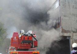Plastik atölyesinde korkutan yangın