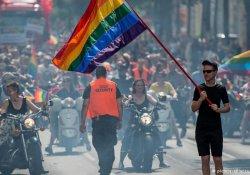 Orlando kurbanları anıldı