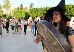 Çilem Doğan'ın tahliyesini kutlayan kadınlara saldırı