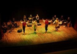 Farklı dillerde barış konseri