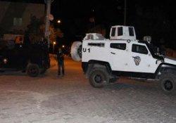 Mardin'de zırhlı polis aracına ve karakola saldırı