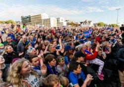 İzlanda takımına coşkulu karşılama