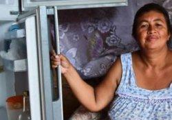 Venezuelalı 500 kadın yiyecek bulmak için Kolombiya'ya geçti