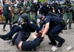 Louisiana'daki gösterilerde onlarca kişi gözaltında