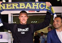 Fenerbahçe'nin yeni transferi Martin Skrtel İstanbul'da