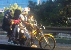 Trafikte pes dedirten görüntü