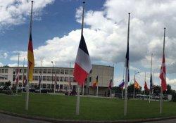 NATO karargahındaki bayraklar yarıya indirildi