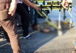 Linç edilmek istenen yüzbaşı kendini karnından vurdu