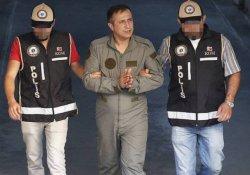 İzmir'de 15 asker tutuklandı