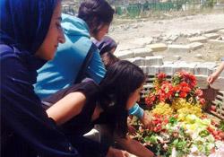 Suruç Katliamı'nda yaşamını yitiren Süleyman Öğretmen, mezarı başında anıldı