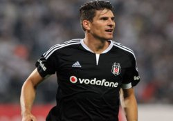 Mario Gomez Beşiktaş'tan ayrıldı